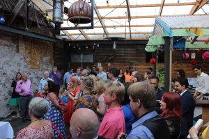 crowd03.jpg by eccles