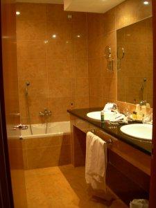 bathroom.jpg by orca